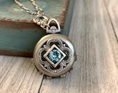 4 photos Filigree Vintage style Locket Necklace Bride Bridesmaid gift Wedding Birthday gift Sister/daughter/mother/friends steampunk locket