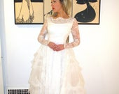 1950s WEDDING DRESS Full Tulle Gown Pure White Vintage Sweeping Bridal Lace XS/S