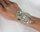 RHINESTONE BROOCH Bracelet, Wrist Corsage, Wedding Corsage, Bling Bracelet, Mother of the Bride Groom, Prom, Quince, StyleDiamond Swirl