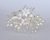 Pearl Hair Comb, Silver Bridal Haircomb, Silver Flower Pearl Hairpiece, Bridal Hair Clip GABBY