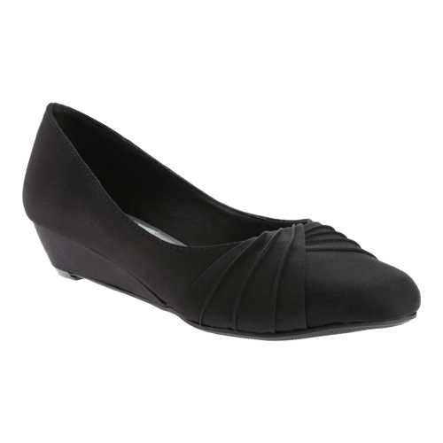 Women's Dyeables Rue Wedge, Size: 9.5 M, Black Satin