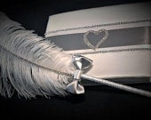 Wedding guest book, silver wedding. Guest book and pen. Guestbook. Silver wedding guestbook. siver wedding deco. white guestbook feather pen