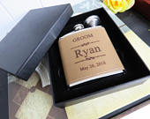 Set of 1 Personalized Whiskey Flask for Men // Great Mens Gift for Valentine, Christmas, Birthday, Etc. / Flask for Boyfriend, Husband, Dad