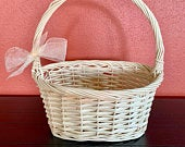 Flower Girl Basket, Cream Rustic Wicker Basket with a Bow, Wedding Basket, Wedding Accessory, Wedding Decoration, READY TO SHIP