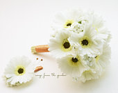 Ready to Ship Bridesmaid Bouquet Groomsman Boutonniere Real Touch White Gerbera Daisies Wedding Flower Package