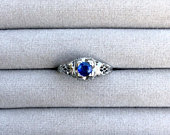 Art Deco blue sapphire ring in 18k gold, sapphire engagement ring, vintage sapphire ring