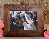 Personalized Wedding Gift, Picture Frame, Gifts for the Couple, Mr and Mrs Gift, Custom Wedding, Wedding Picture Gift, Keepsake Gift, Frame