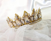 Bridal crystals gold crown, Bridal tiara with golden crystals, wedding crown in gold with shopmpage crystals, bridal tiara in gold, bridal
