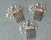 Beautiful handmade 1 hair comb Ivory or White pearl beads, glass crystals and Diamants. Wedding, bridal wear, bridesmaid or guest.