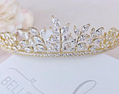 Gold tiara Wedding tiara Bridal crown Crystal headpiece Bridal hair accessories Crystal tiara Wedding hair piece Bridal headpiece