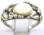 Silver ring with mother of pearlVintage silver jewelleryBoho ringGift for her.