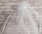 Wedding Favour Organza Bags 12 x 9cm White Jewelry Gift Bags Engagement Drawstring Pouches Small Favors Reusable Party Bags