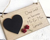 Wedding Countdown Personalised Oak Plaque Sign Engagement Gift Mr Mrs Chalkboard