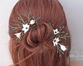 Wedding hair pins for Bride, 2 Green hair accessory, Bridal hairpiece, Emerald crystal hair pins, Bridesmaid headpiece, Floral hair pins
