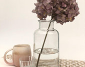 Vintage Style Clear Glass Bottle Small Bud Flower Vase Home Wedding Decoration Table Centrepiece Venue Newly Weds Gift