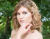 Superb quality vintage designer gold flower and leaf hair comb for a bride, bridesmaid or any special occasion