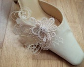 Bridal Guipure Lace and Peacock Feather SHOE CLIPS Zia (Pair) Bride Bridesmaid. Cream White Palest Beige Bridal Fairytale Wedding Shoes