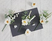 White Woodland Boutonniere Silk flower corsage Buttonholes Bridal Natural Rustic Groom lapel pin Floral bouquet Pretty Small Corsage Green