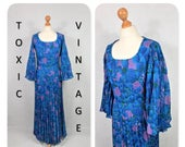 VINTAGE 1960s 1970s Blue Purple Green Floral Plum Print PLEATED Maxi Dress. Uk Size Medium. Retro, Boho, Chic, Elegant, Occasion, Preppy