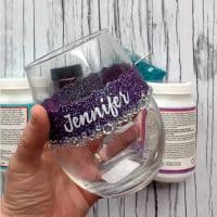 How to Make Personalized Glitter Wine Glasses