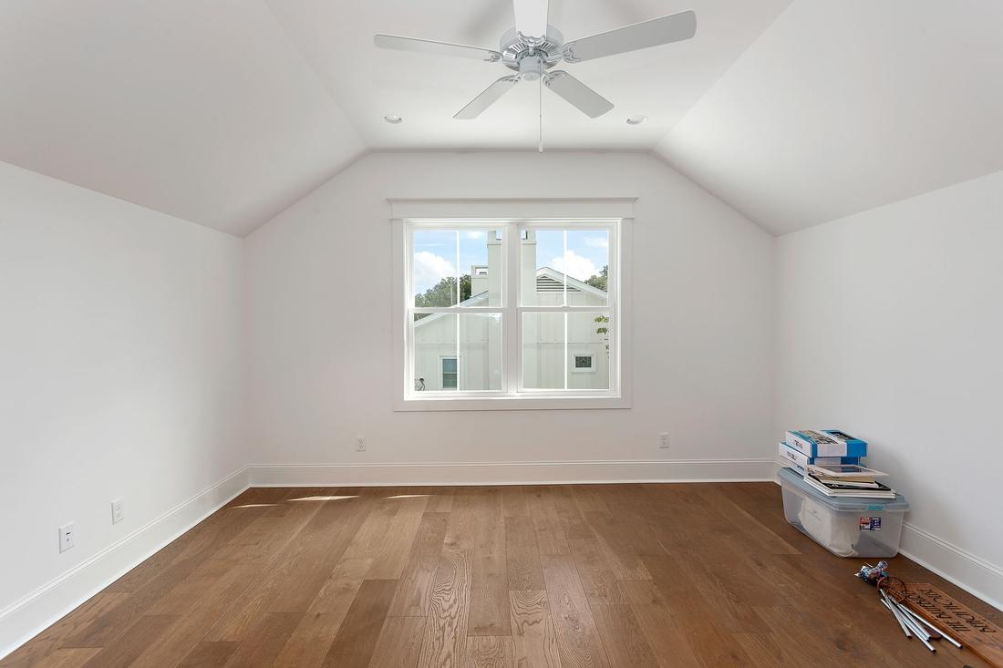 bonus room, upstairs room,