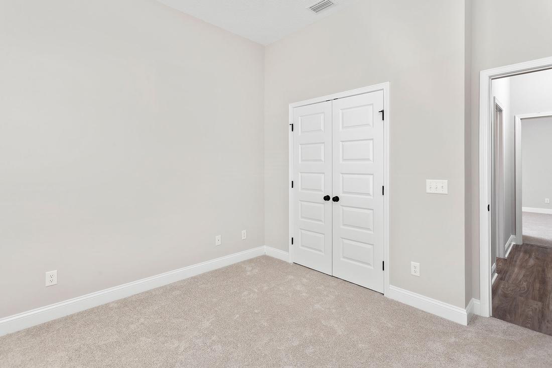 bedroom, bedroom closet,