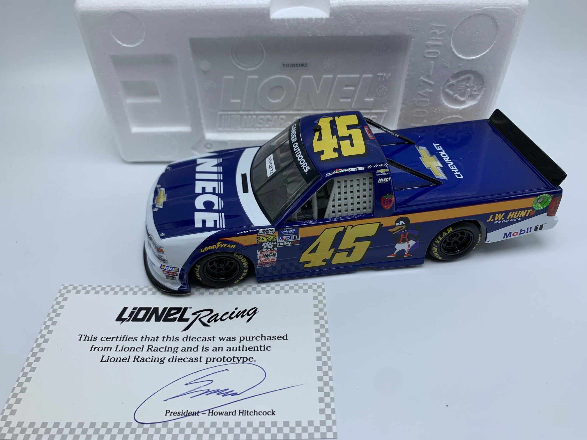 ROSS CHASTAIN 2019 JB HUNT/NIECE 1:24 PROTOTYPE DIECAST