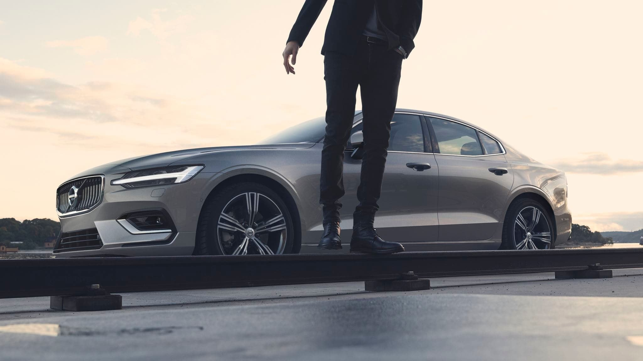 Volvo® S60 Buy & Lease Offers - Sioux Falls SD