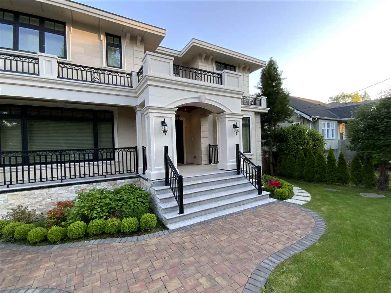 FEATURED LISTING: 2708 34TH Avenue West Vancouver
