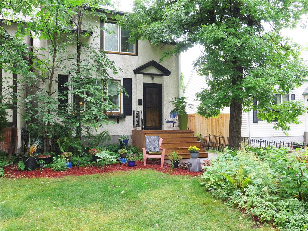 FEATURED LISTING: 147 Borebank Street Winnipeg
