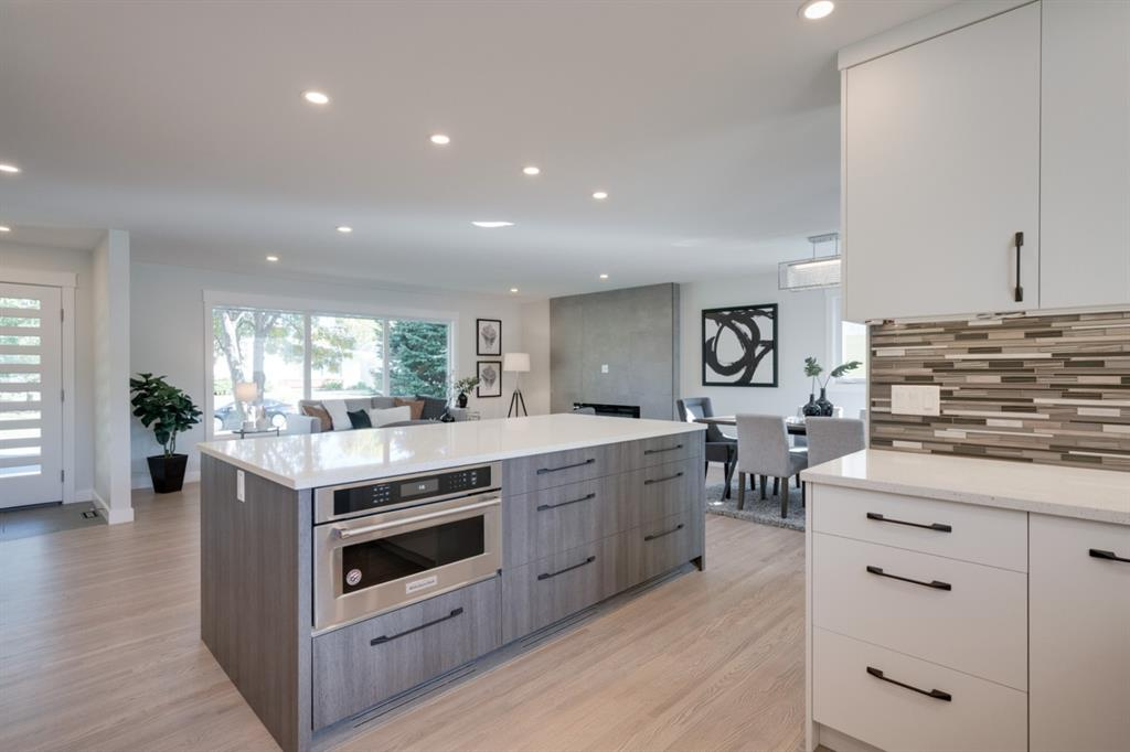 FEATURED LISTING: 10815 Maplecreek Drive Southeast Calgary