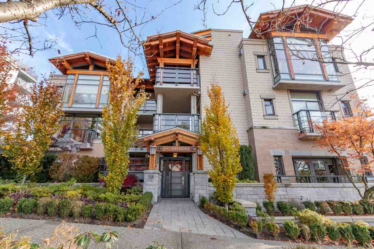 FEATURED LISTING: 206 - 550 17TH Street West Vancouver