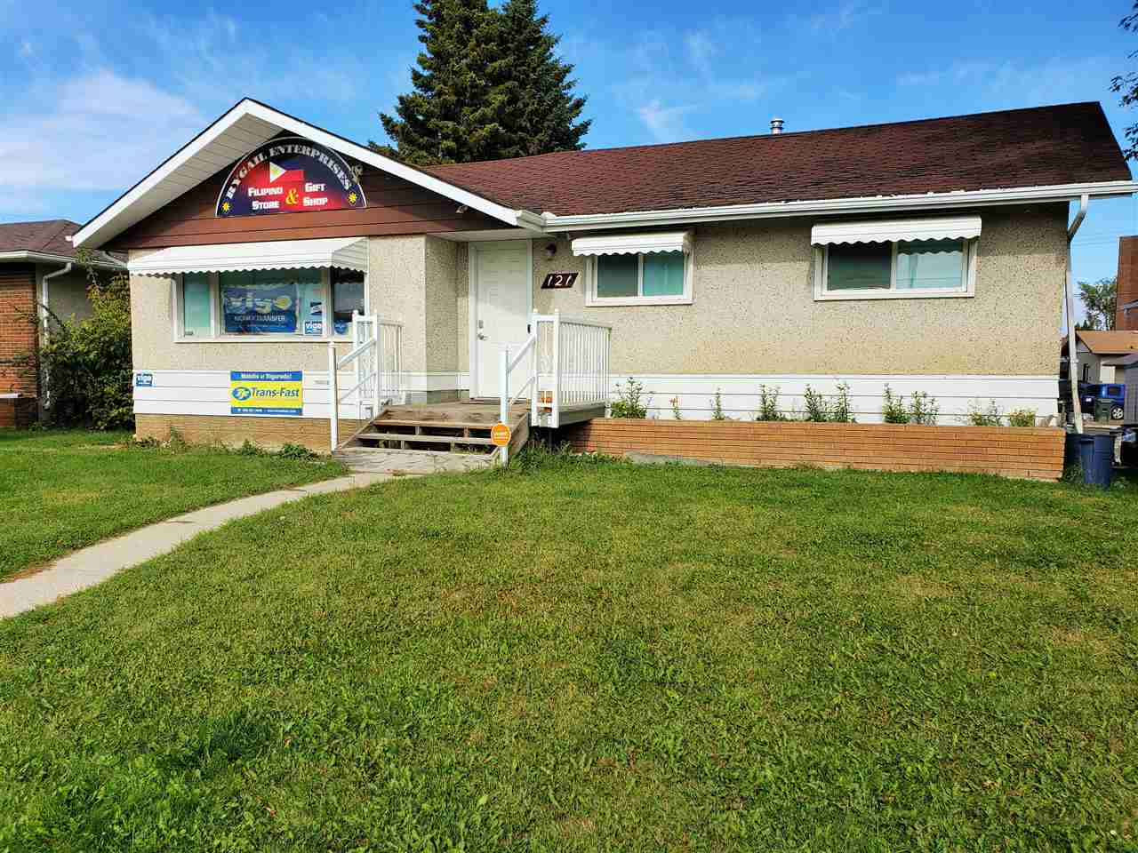 FEATURED LISTING: 121 MCLEOD Avenue Spruce Grove
