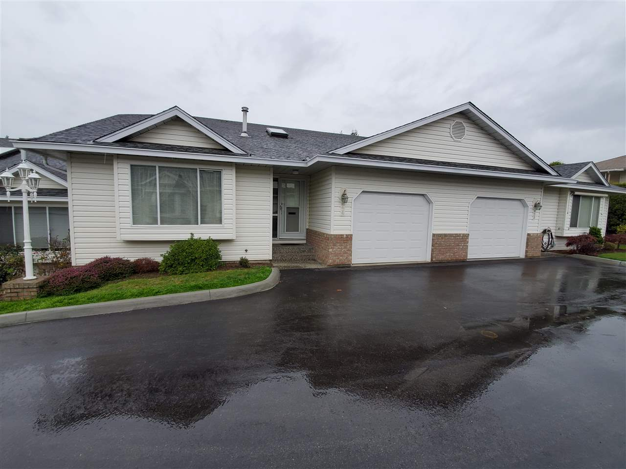 FEATURED LISTING: 24 3054 TRAFALGAR Street Abbotsford