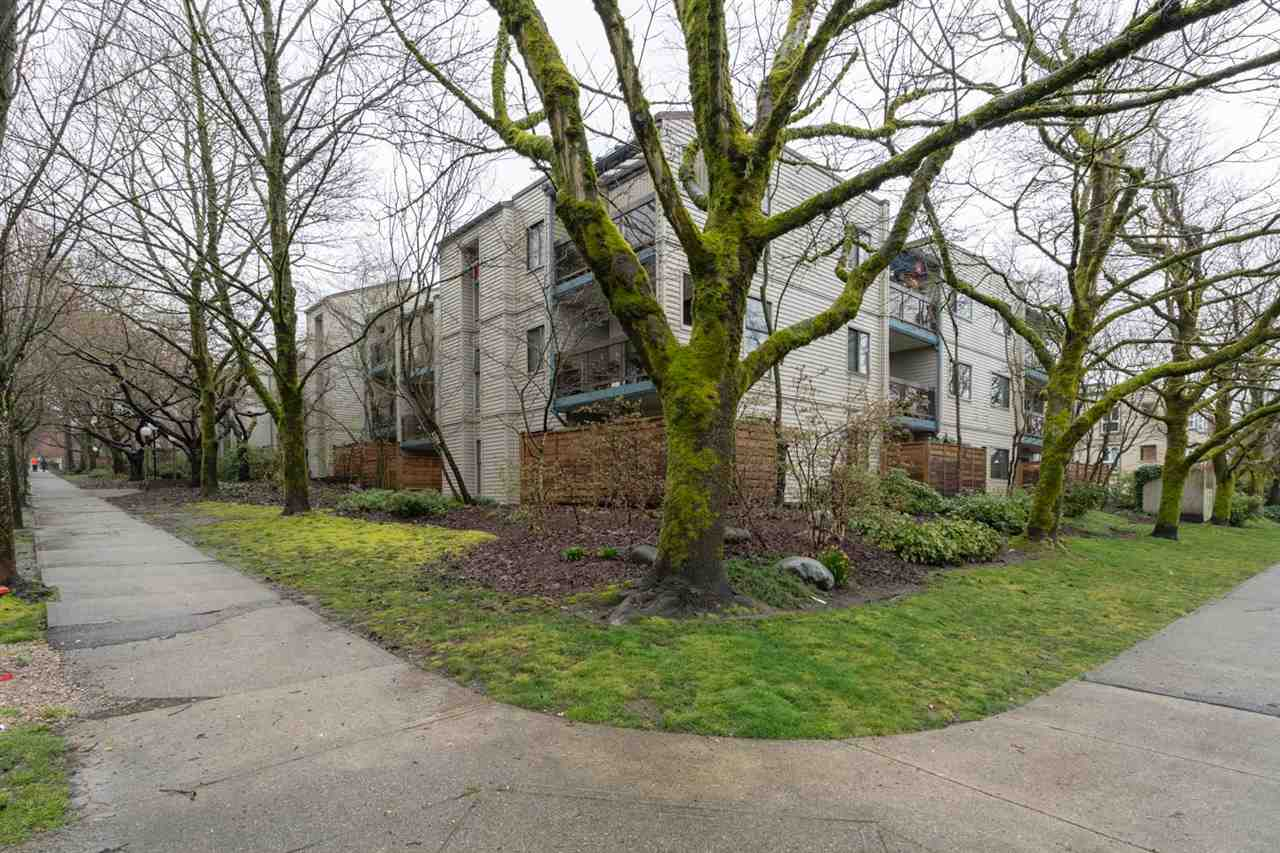 FEATURED LISTING: 214 1422 3RD Avenue East Vancouver