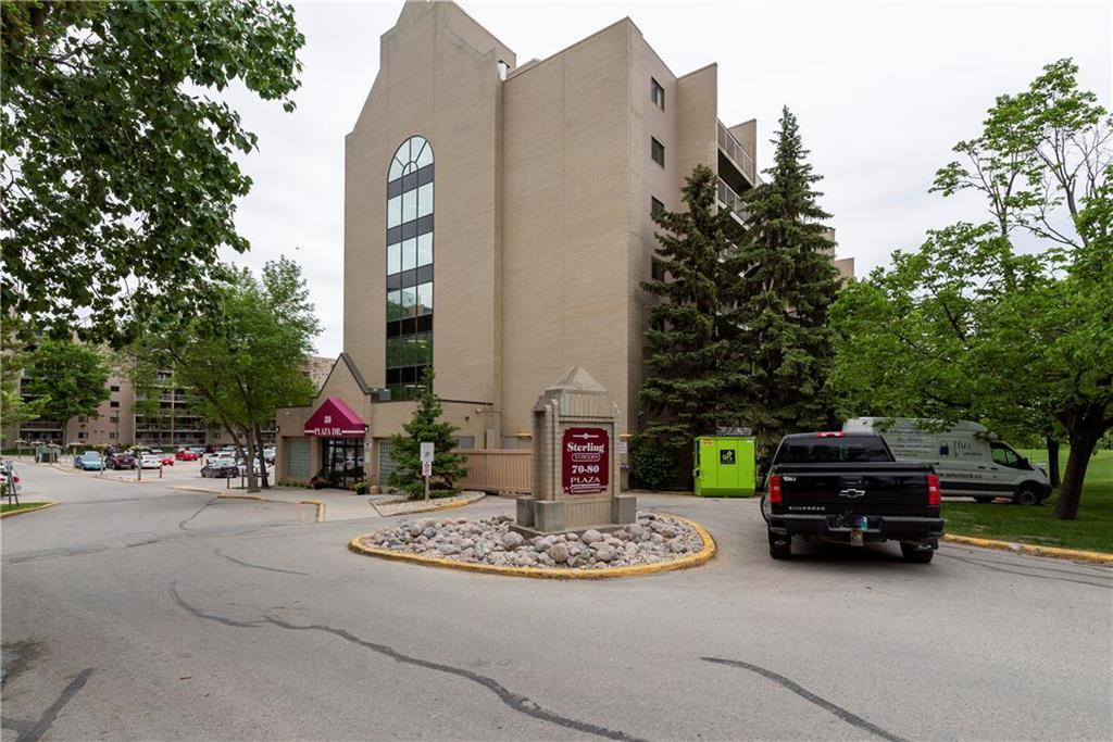 FEATURED LISTING: 2214 - 80 Plaza Drive Winnipeg