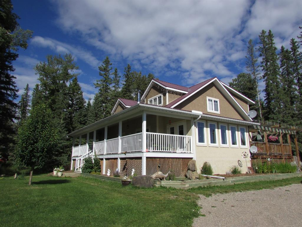 FEATURED LISTING: 5076 Township Rd 342 Rural Mountain View County