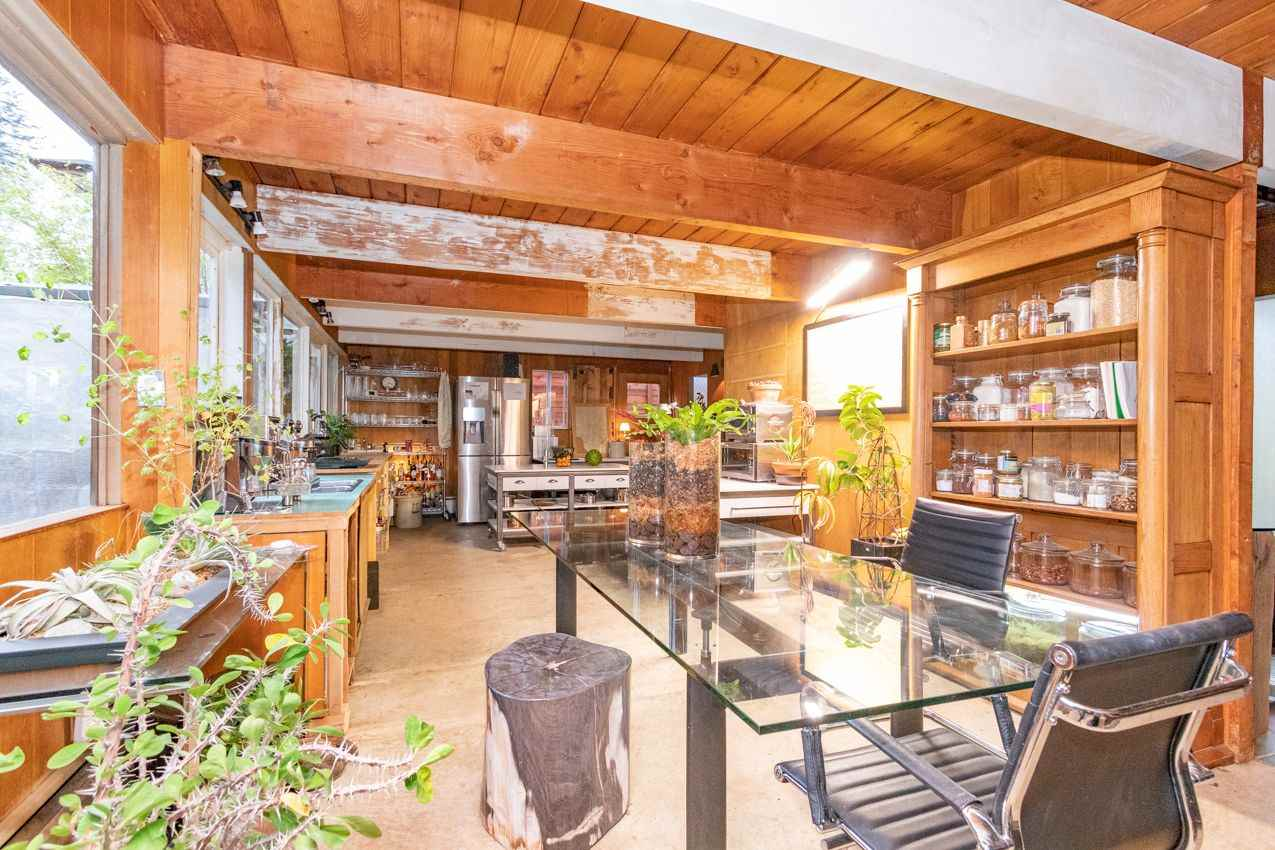 FEATURED LISTING: 2006 PANORAMA Drive North Vancouver