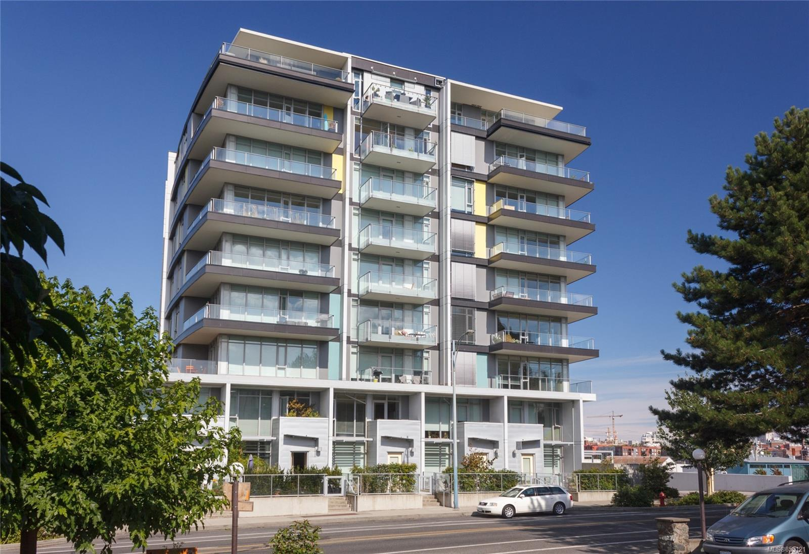 FEATURED LISTING: 504 - 373 Tyee Rd