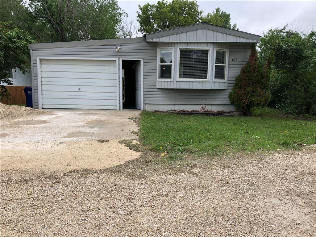 FEATURED LISTING: 101 Bonneteau Avenue Ile Des Chenes