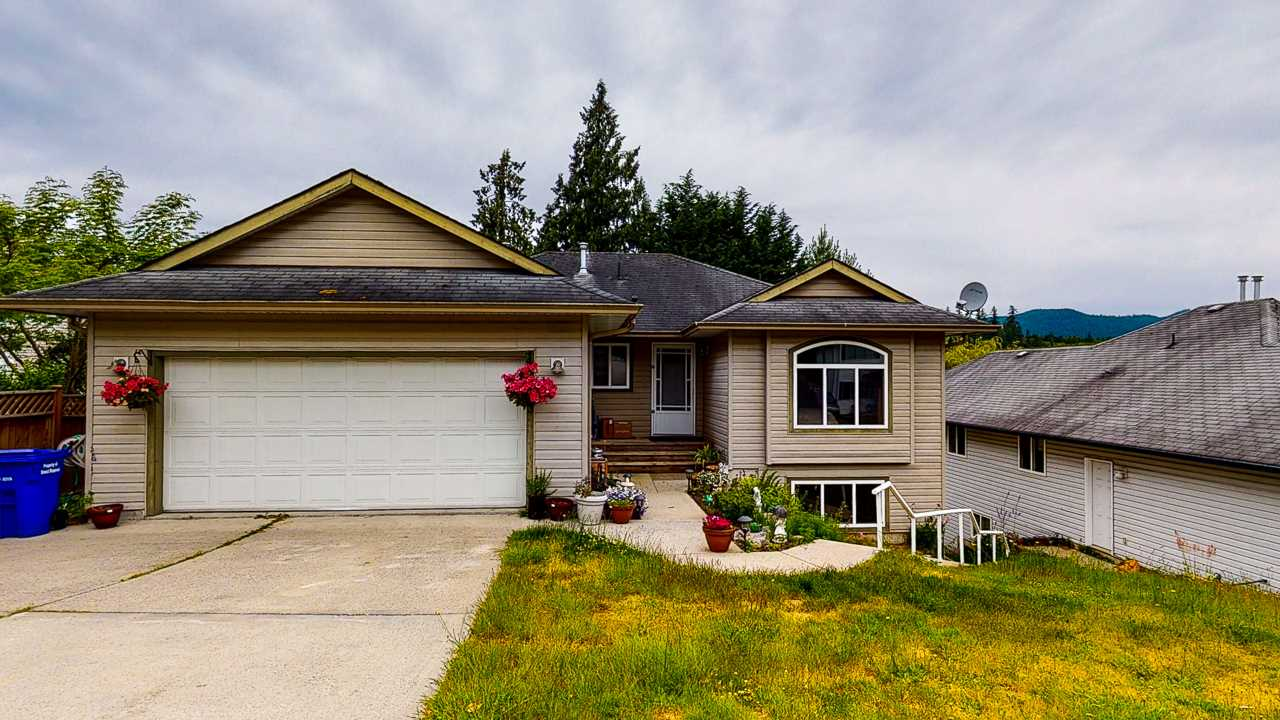 FEATURED LISTING: 5853 TURNSTONE Crescent Sechelt