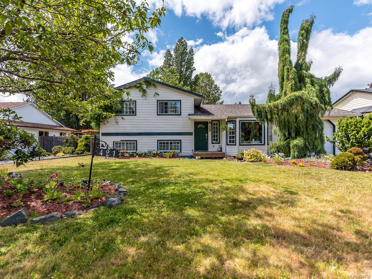 FEATURED LISTING: 421 Quarry Rd COMOX