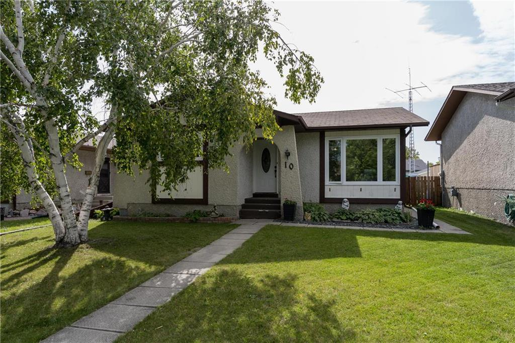 FEATURED LISTING: 10 Heft Crescent Winnipeg