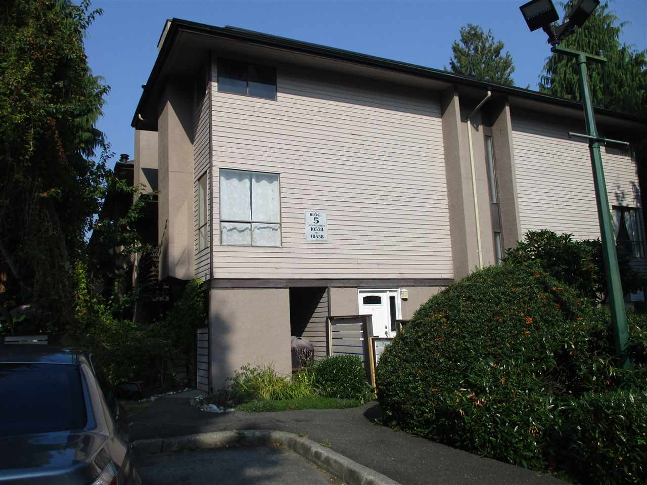 FEATURED LISTING: 10550 HOLLY PARK Lane Surrey
