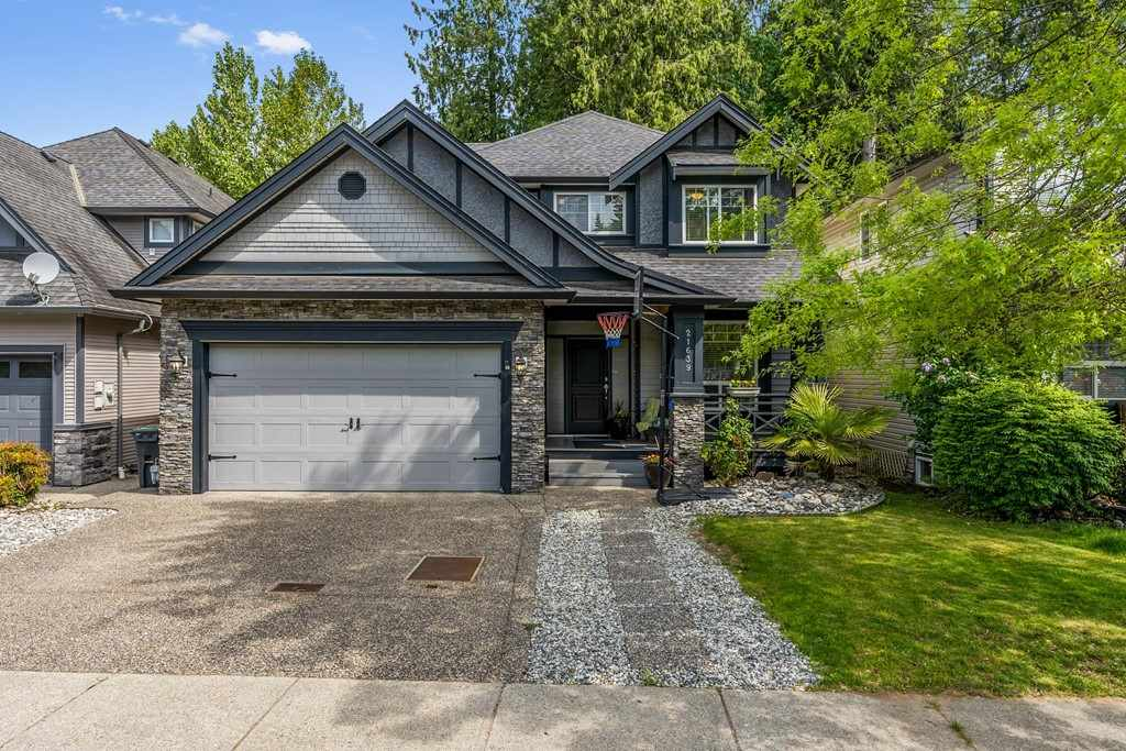 FEATURED LISTING: 21639 93 Avenue Langley