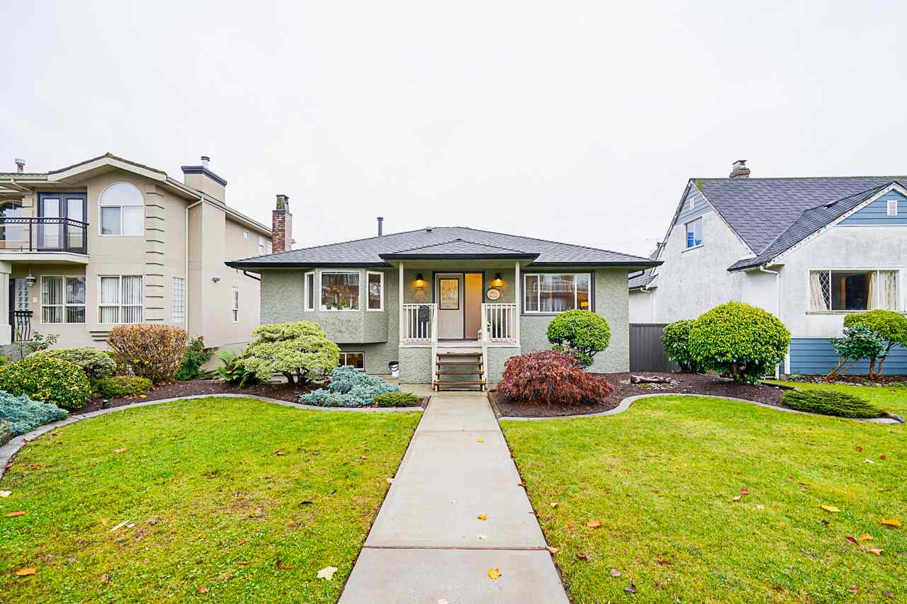 FEATURED LISTING: 4330 NAPIER Street Burnaby