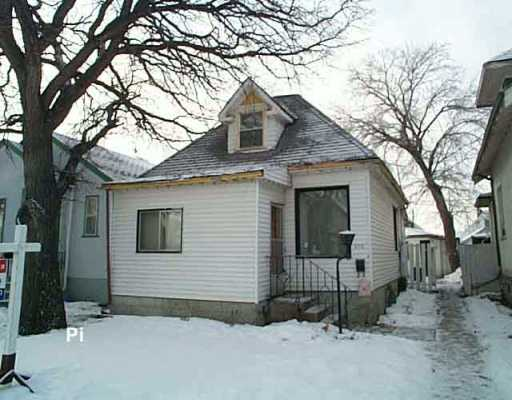 Main Photo:  in Winnipeg: East Kildonan Single Family Detached for sale (North East Winnipeg)  : MLS® # 2518784