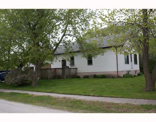 Main Photo: 2 Alexander St in Winnipeg: Residential for sale : MLS® # 2910412