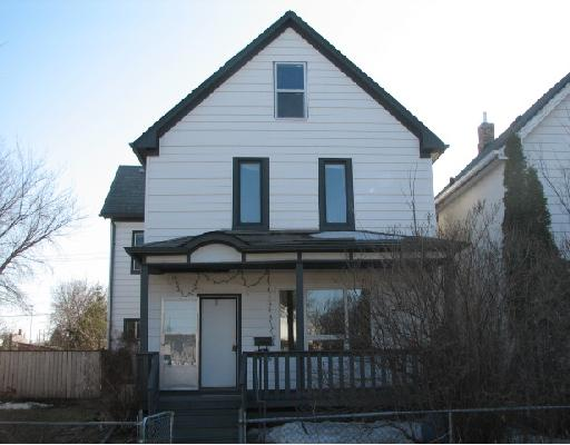 Main Photo: 724 STELLA Avenue in WINNIPEG: North End Residential for sale (North West Winnipeg)  : MLS® # 2805426