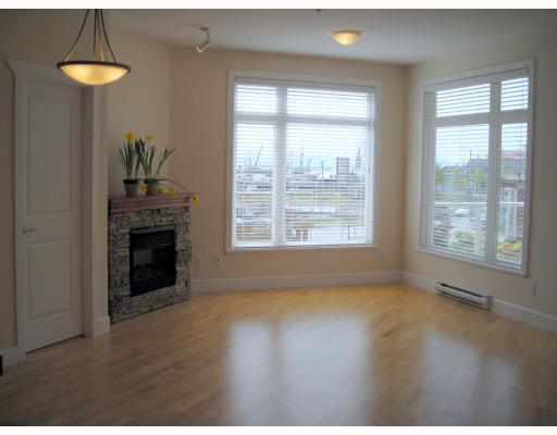 "Photo 3: 202 4233 BAYVIEW Street in Richmond: Steveston South Condo for sale in ""THE VILLAGE"" : MLS® # V701274"